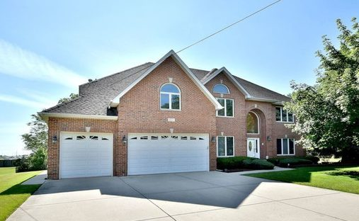 House in Itasca, Illinois, United States