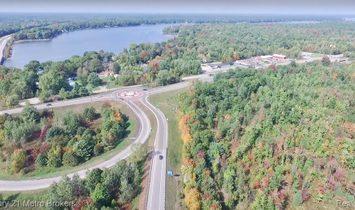 Land in Midland, Michigan, United States 1
