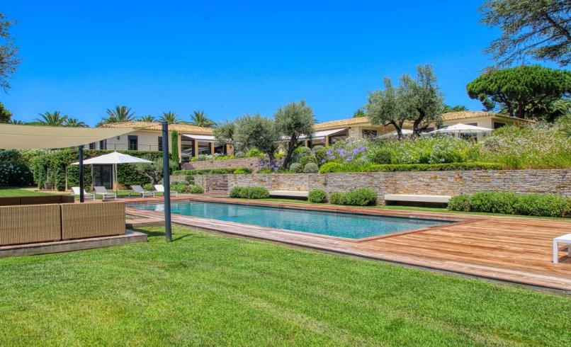 Villa in Saint-Tropez, Provence-Alpes-Côte d'Azur, France 1 - 11028185