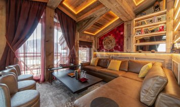 Chalet in Courchevel, Auvergne-Rhone-Alpes, France