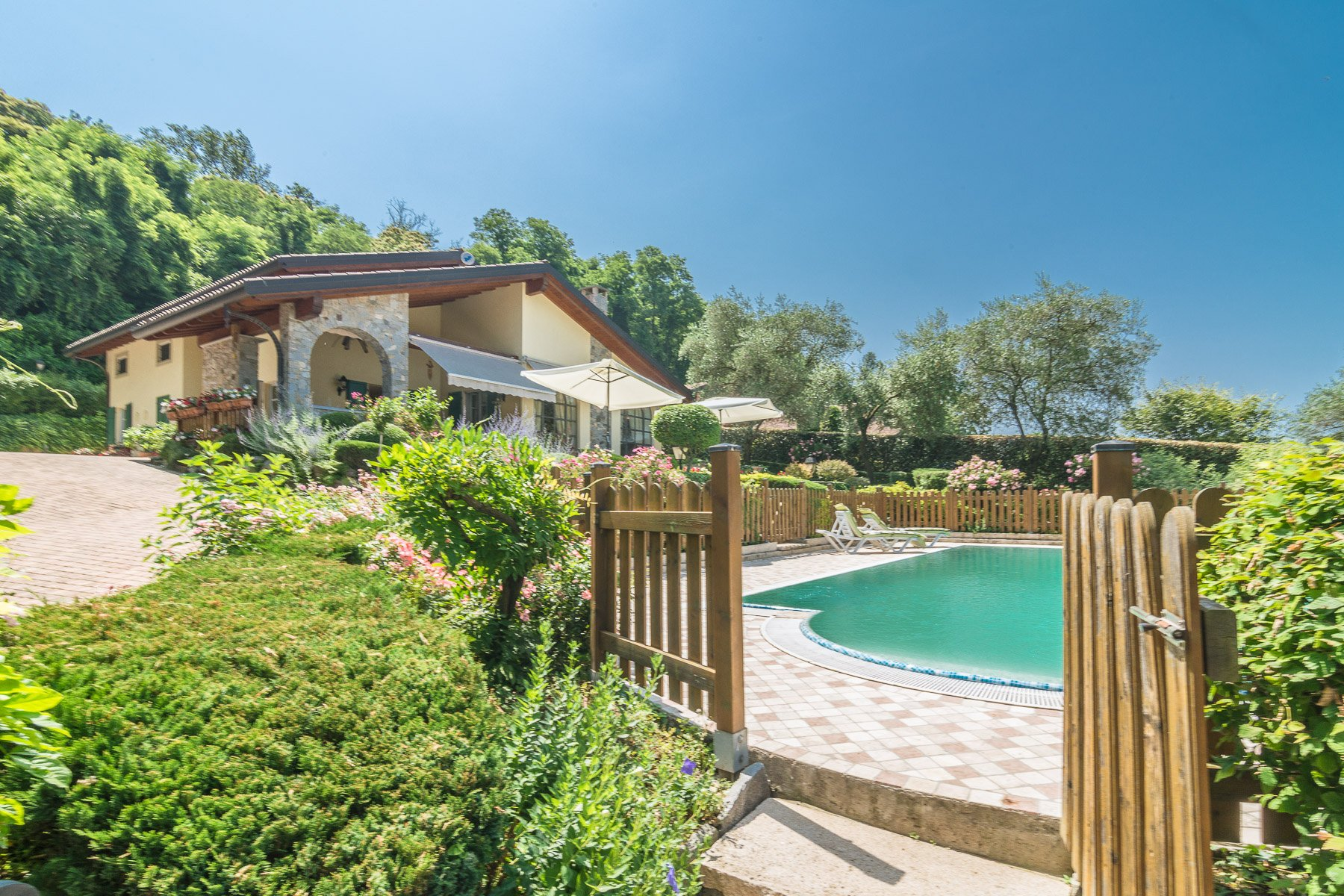 House in Besozzo, Lombardy, Italy 1 - 11033309