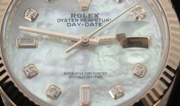 Rolex Day-Date 36 128235-0029 18 Ct Everose Gold Diamond Set White Mother-Of-Pearl Dial