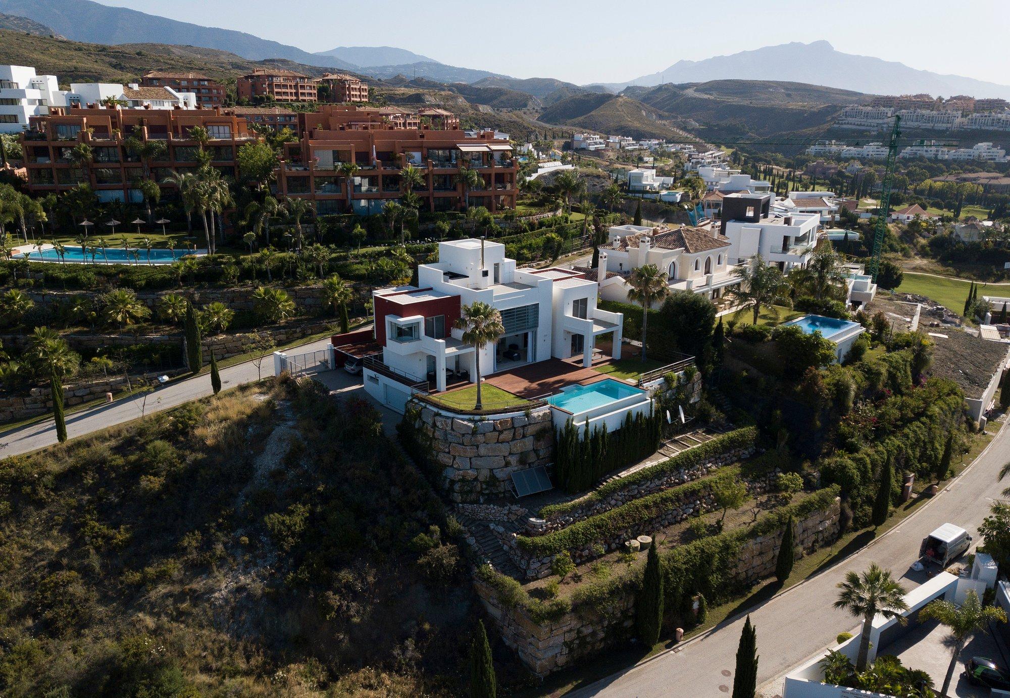 Villa in Benahavís, Andalusia, Spain 1 - 11034515