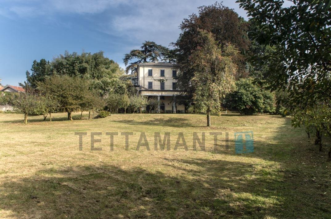 Villa in Casnate con Bernate, Lombardy, Italy 1