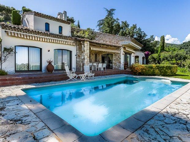 Villa in Mandelieu-la-Napoule, Provence-Alpes-Côte d'Azur, France 1