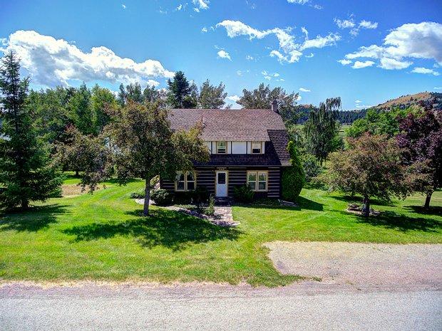 House in Dayton, Montana, United States 1