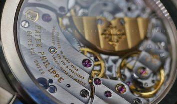 Patek Philippe Nautilus 5740/1G-001 Perpetual Calendar White Gold