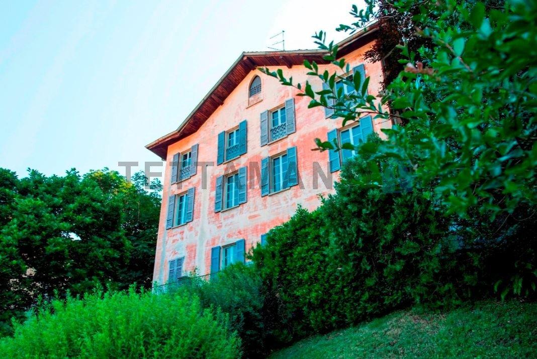 Villa in Drezzo, Lombardy, Italy 1