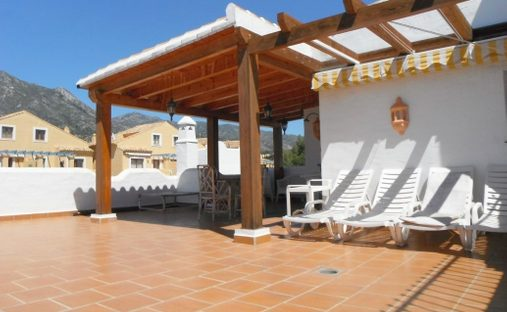 Apartment in Playa de Nagüeles, Andalucía, Spain