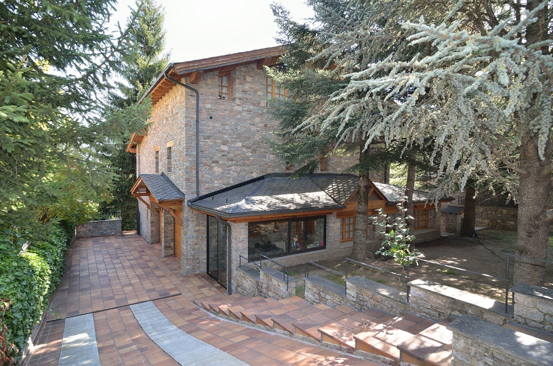 House in La Massana, La Massana, Andorra 1