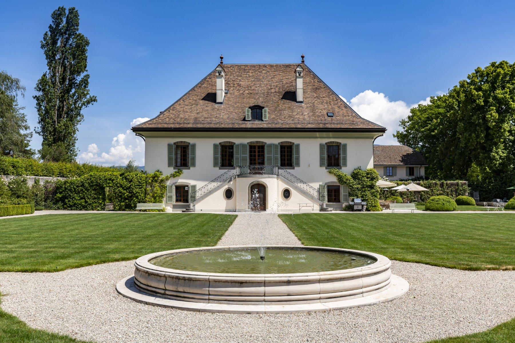 Farm Ranch in Meinier, Genève, Switzerland 1 - 11008186