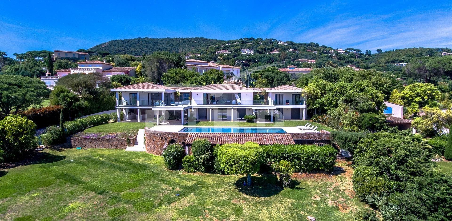 Villa in Grimaud, Provence-Alpes-Côte d'Azur, France 1 - 10864455