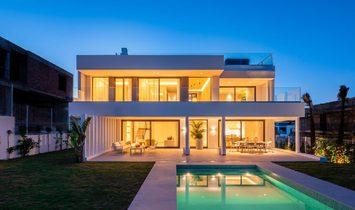 Villa in Estepona, Andalusien, Spanien 1