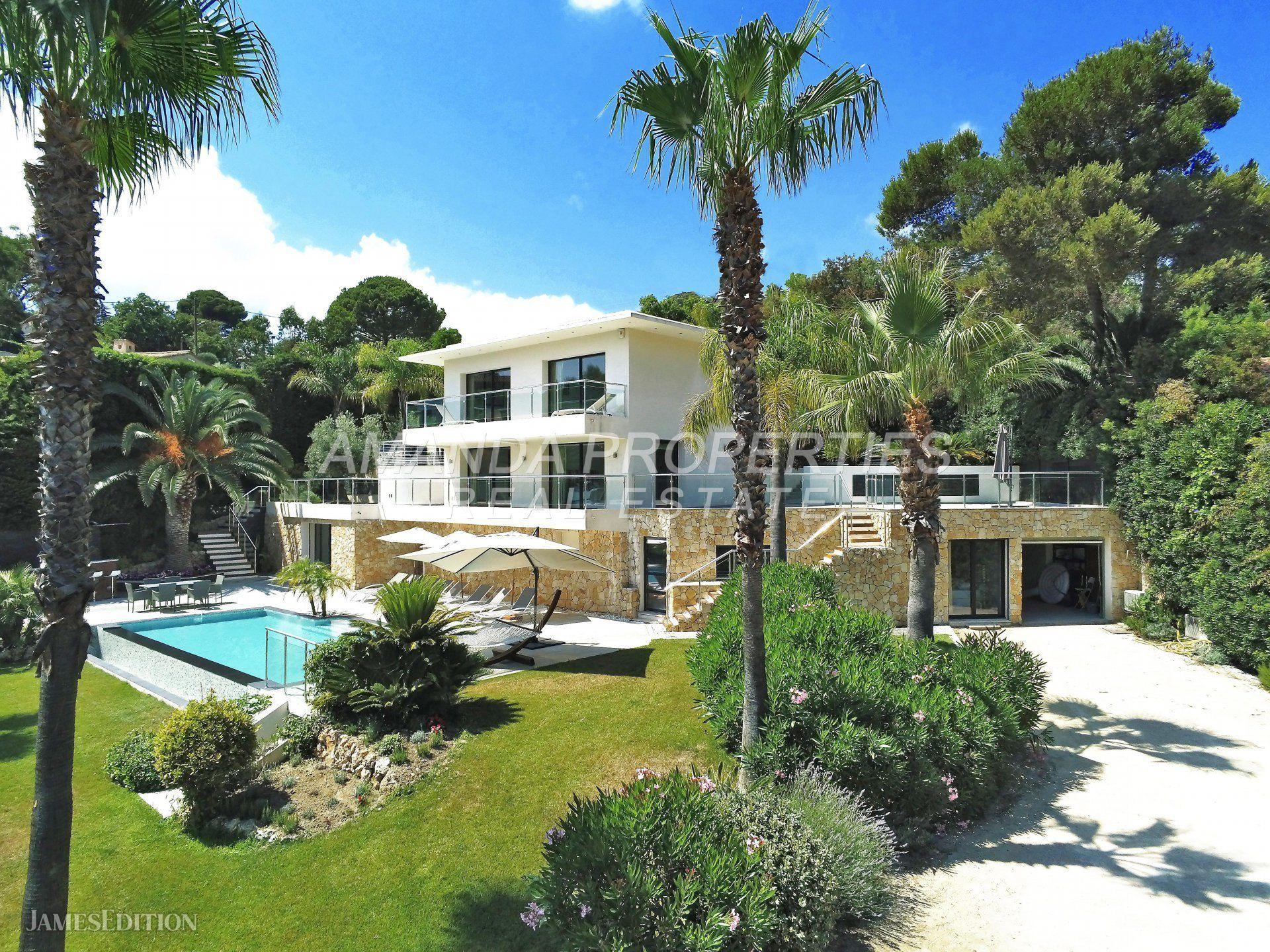 Villa in Vallauris, Provence-Alpes-Côte d'Azur, France 1 - 10877477