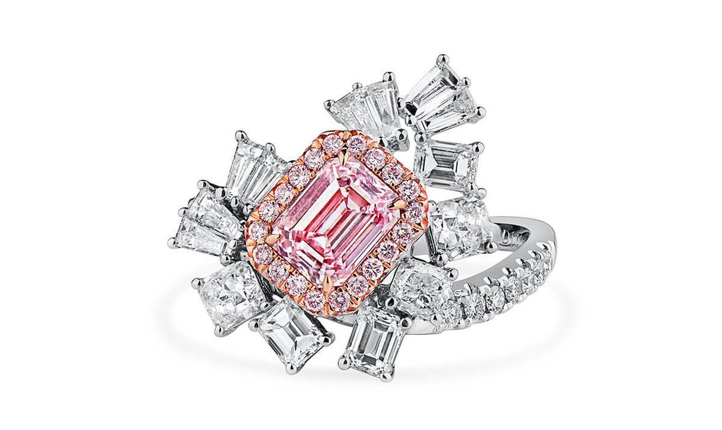Faint Pink Diamond Ring, 1.00 Ct. (2.68 Ct. TW), Emerald shape, GIA Certified, 2316668889