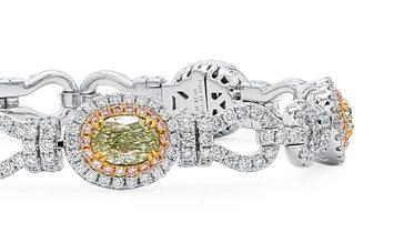 Fancy Green Yellow Diamond Bracelet, 4.50 Ct. (9.43 Ct. TW), Oval shape