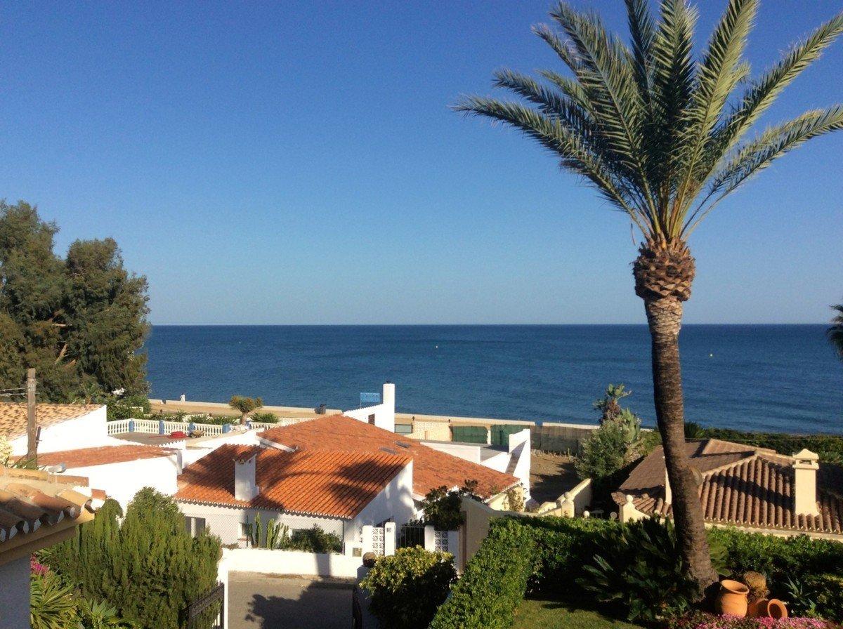 Villa in Estepona, Andalusia, Spain 1 - 10852136