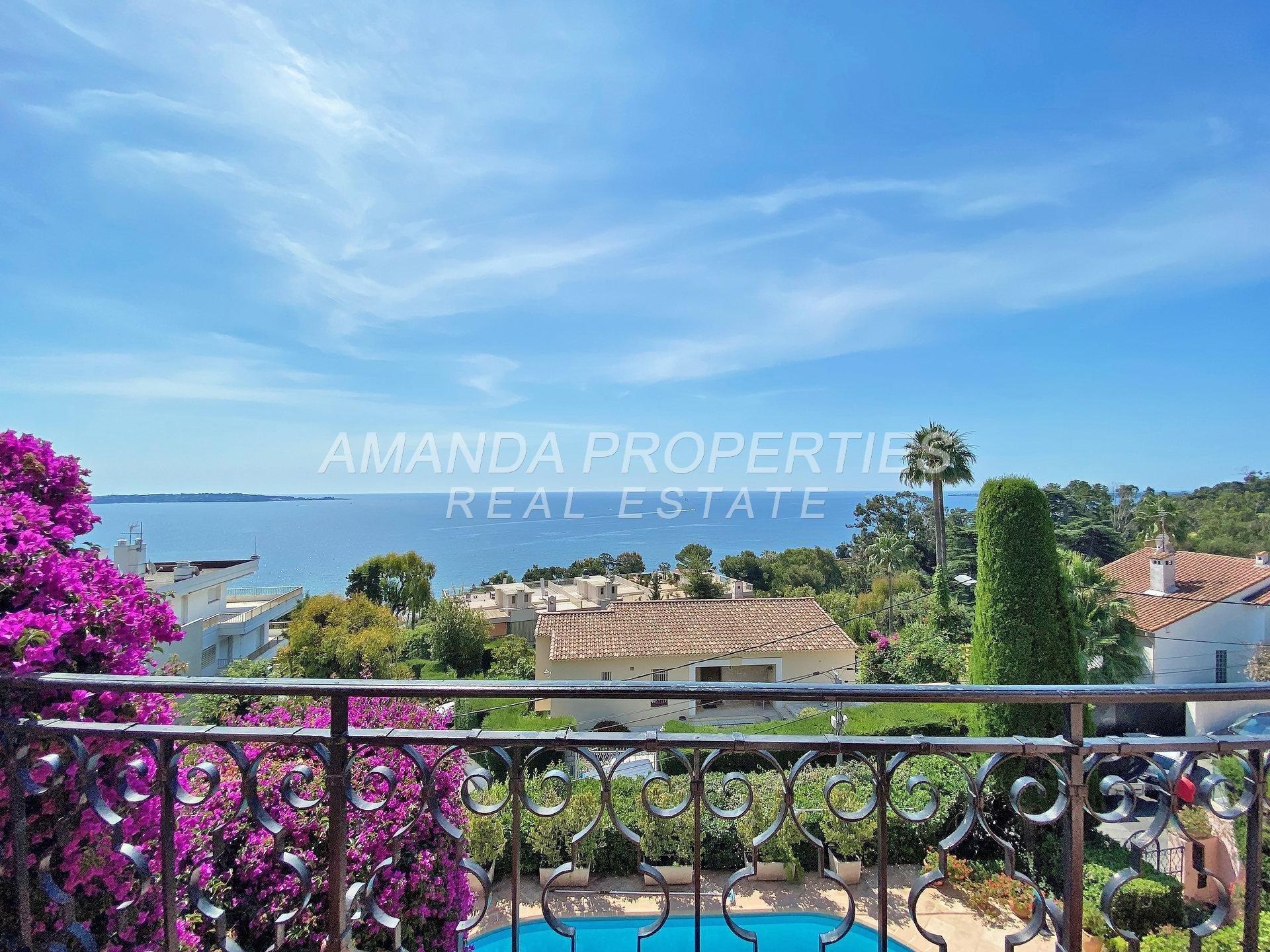 Villa in Golfe-Juan, Provence-Alpes-Côte d'Azur, France 1