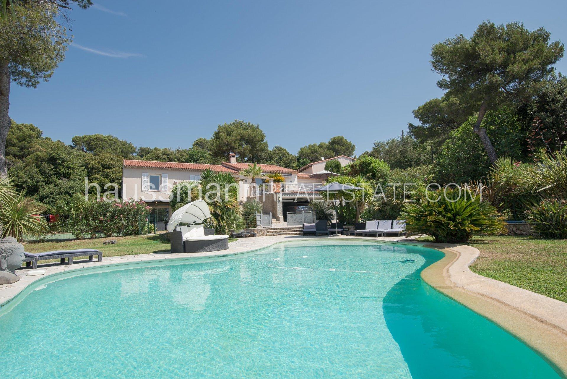Villa in Nice, Provence-Alpes-Côte d'Azur, France 1 - 10883913