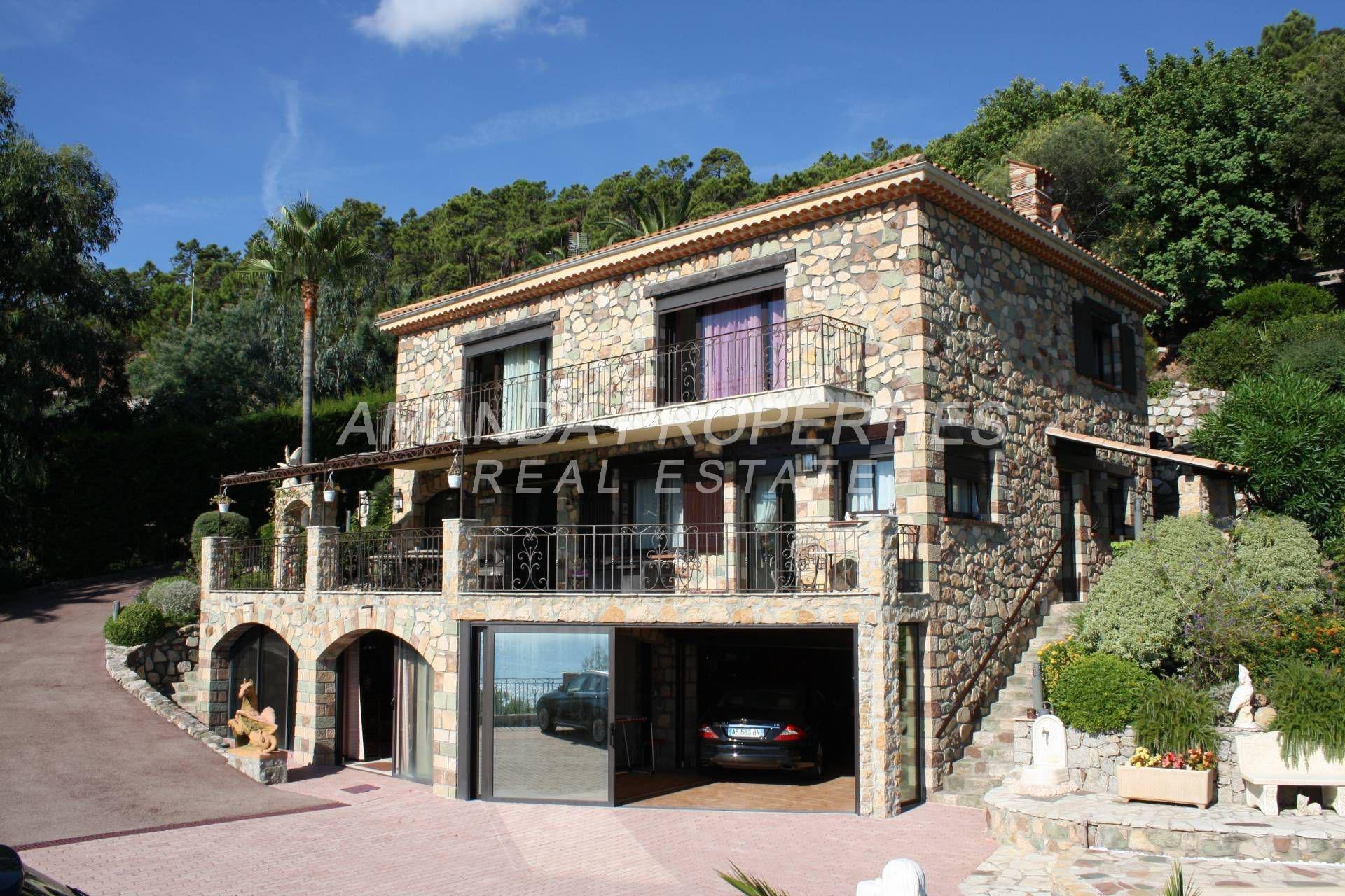 Villa in Théoule-sur-Mer, Provence-Alpes-Côte d'Azur, France 1