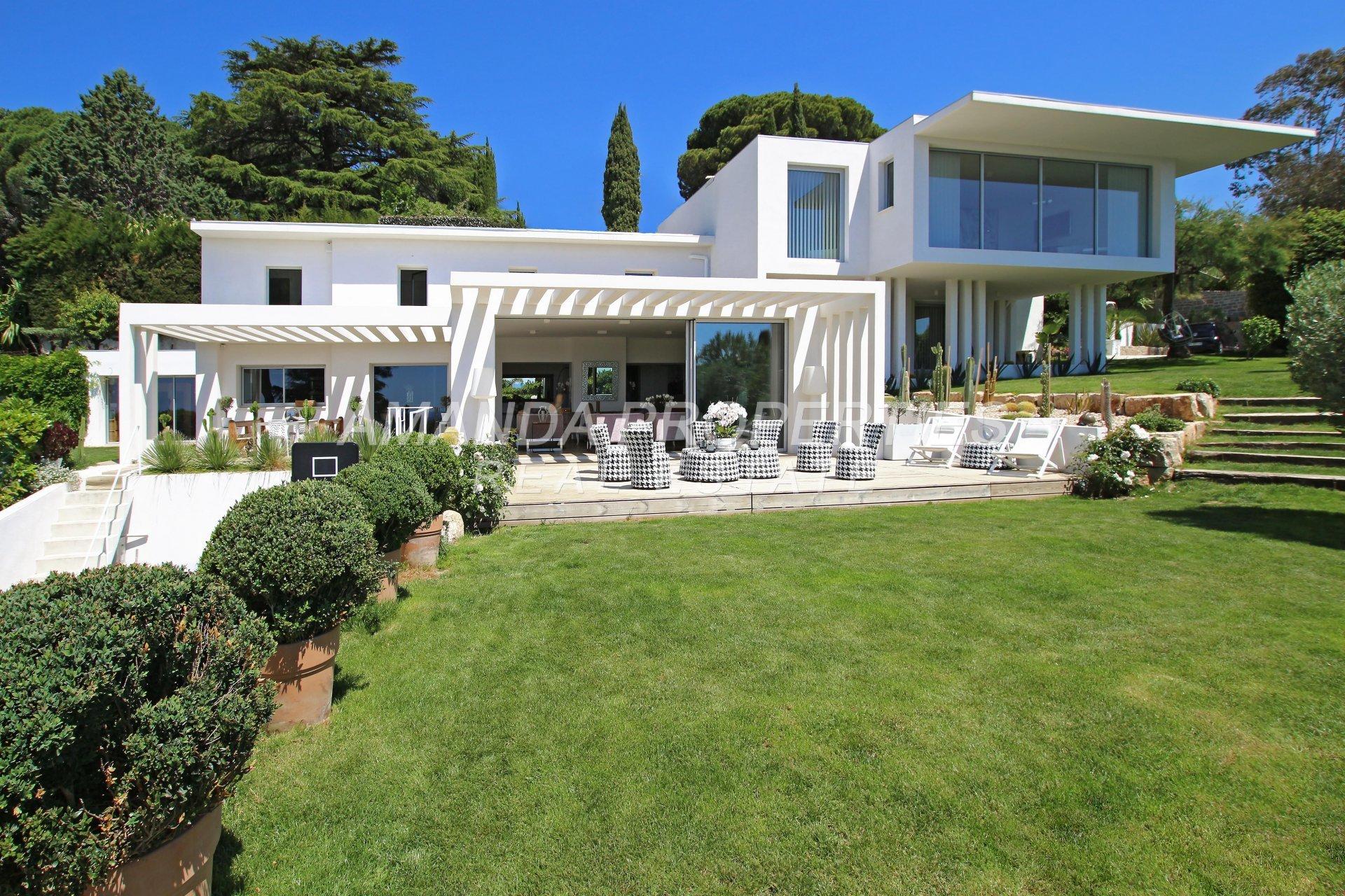 Villa in Cannes, Provence-Alpes-Côte d'Azur, France 1 - 10877817