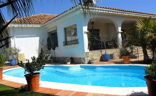 Villa in Nueva Andalucía, Andalusia, Spain