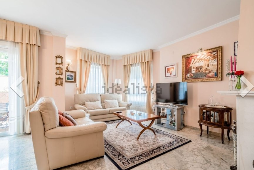 Chalet in Fuengirola, Andalusia, Spain 1 - 10953009