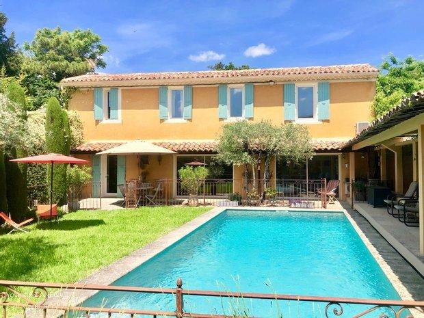 House in Apt, Provence-Alpes-Côte d'Azur, France 1