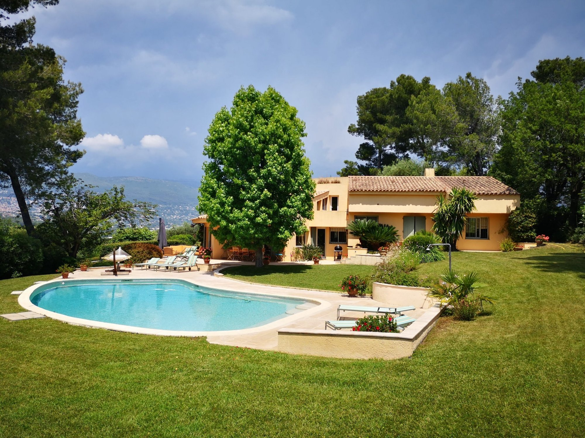 Villa in Nice, Provence-Alpes-Côte d'Azur, France 1 - 10971975