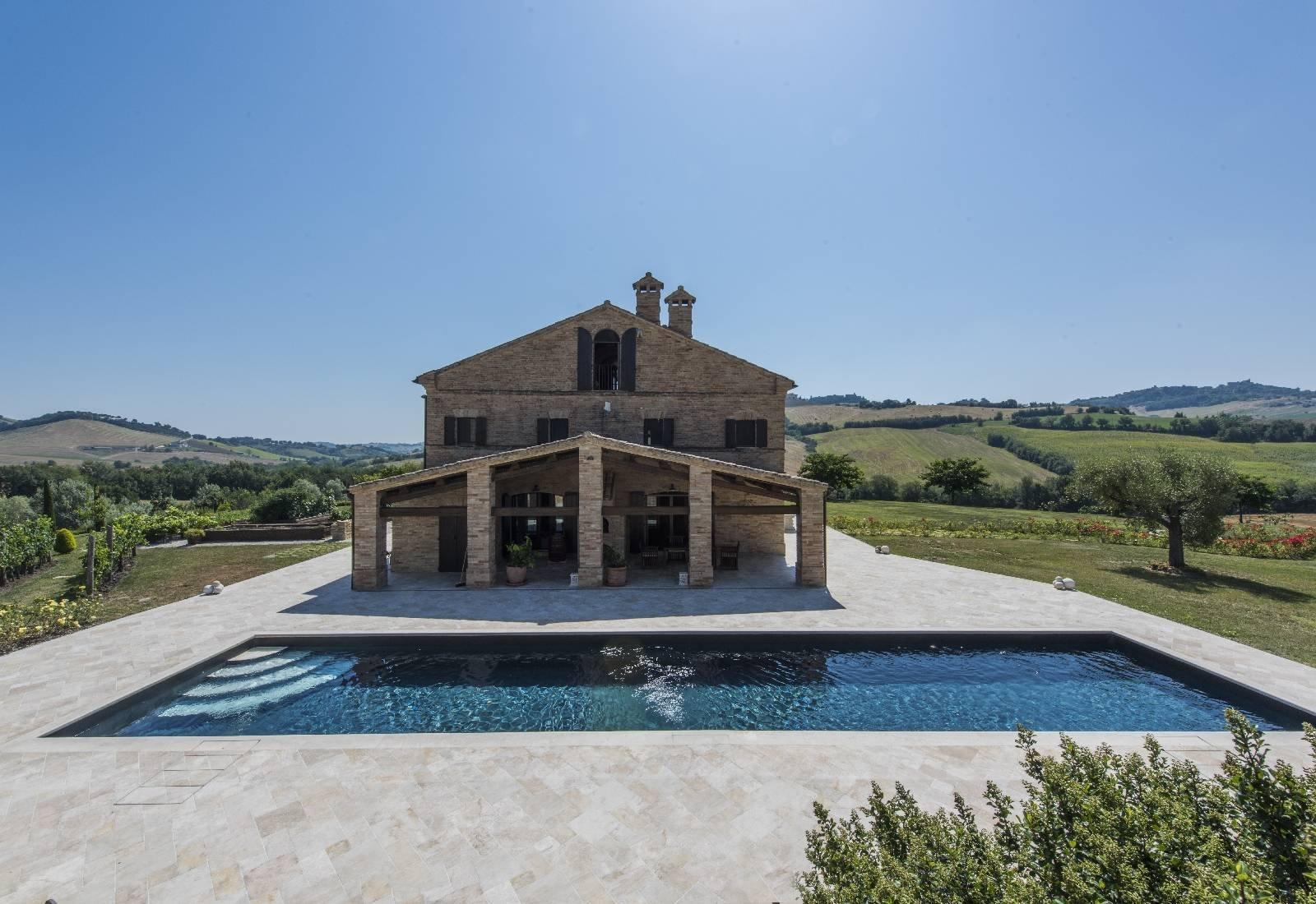 Villa in Macerata, Marche, Italy 1