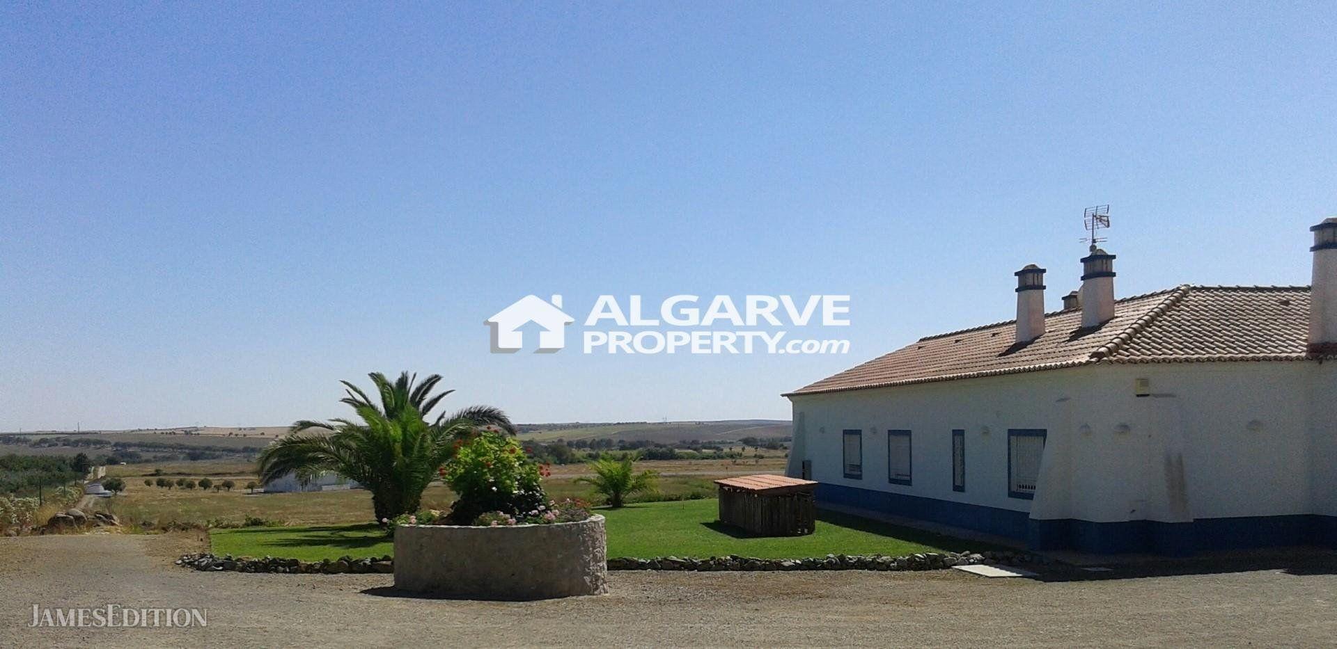 Villa in Ferreira do Alentejo, Beja District, Portugal 1