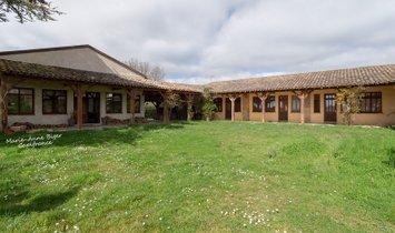 Casa en Villefranche-de-Lauragais, Occitania, Francia 1