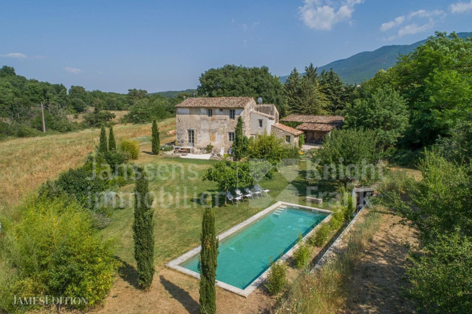 Villa in Castellet, Provence-Alpes-Côte d'Azur, France 1