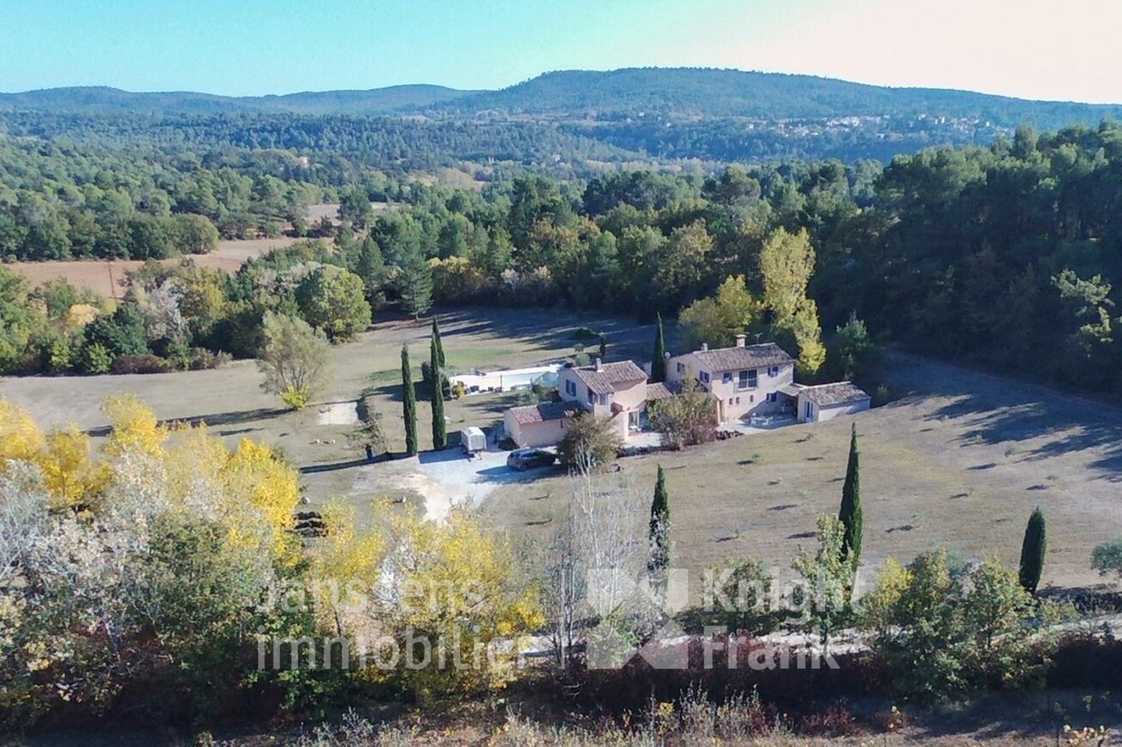 Villa in Grambois, Provence-Alpes-Côte d'Azur, France 1