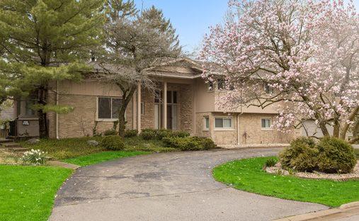 House in Winnetka, Illinois, United States