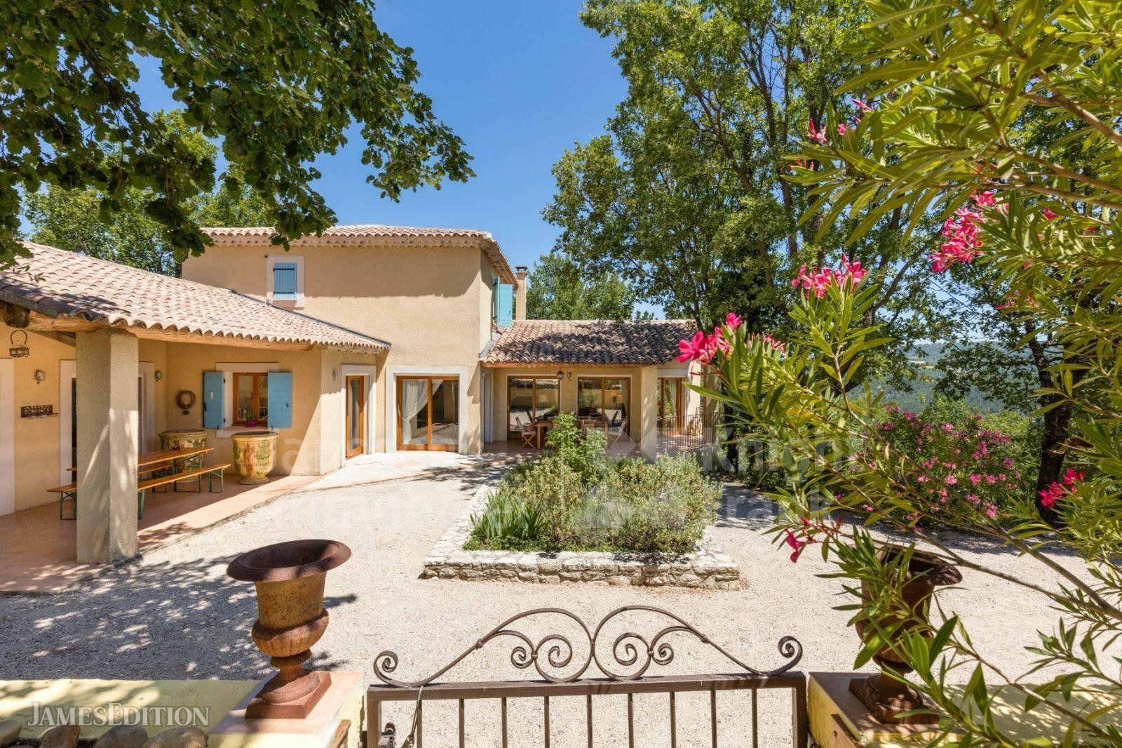 Villa in Saignon, Provence-Alpes-Côte d'Azur, France 1
