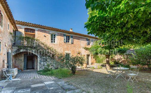 Villa in Goult, Provence-Alpes-Côte d'Azur, France