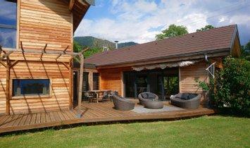 Casa a Lucinges, Alvernia-Rodano-Alpi, Francia 1