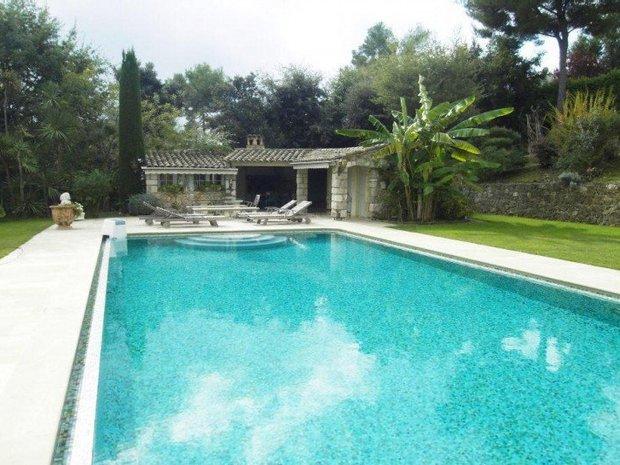 Villa in La Colle-sur-Loup, Provence-Alpes-Côte d'Azur, France 1
