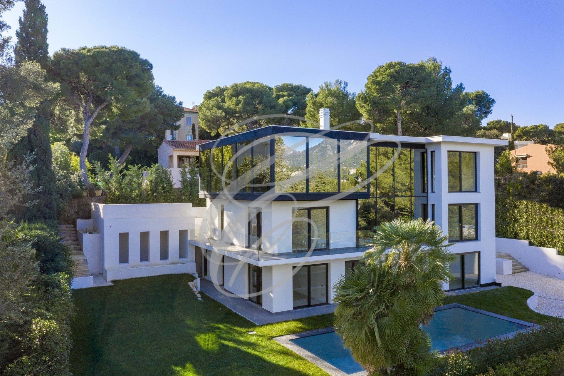 Villa in Roquebrune-Cap-Martin, Provence-Alpes-Côte d'Azur, France 1 - 10966441