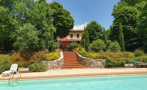 Villa in Lucca, Toscana, Italy