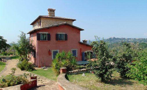 Villa in Monte San Giovanni In Sabina, Lazio, Italy