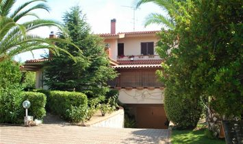 Villa en Lu Bagnu, Cerdeña, Italia 1