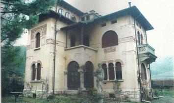 Villa a Tregnago, Veneto, Italia 1