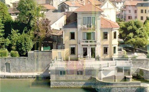 Villa in Dervio, Lombardy, Italy