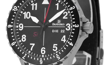 Damasko DK10 DK10, Arabic Numerals, 2016, Very Good, Case material Steel, Bracelet mate