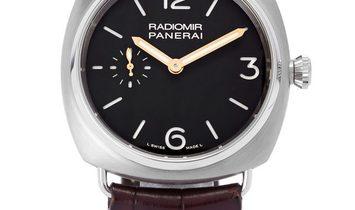 Panerai Radiomir Manual PAM00338, Arabic Numerals, 2013, Very Good, Case material Titan