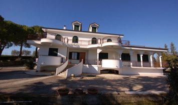 House in Pozzetto, Marche, Italy