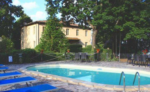 Villa in Barga, Toscana, Italy