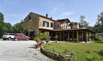 Farm Ranch in Amandola, Marche, Italy